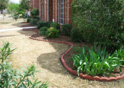Landscaping / Borders / Tree Planting - Lawn Expert - DFW Texas